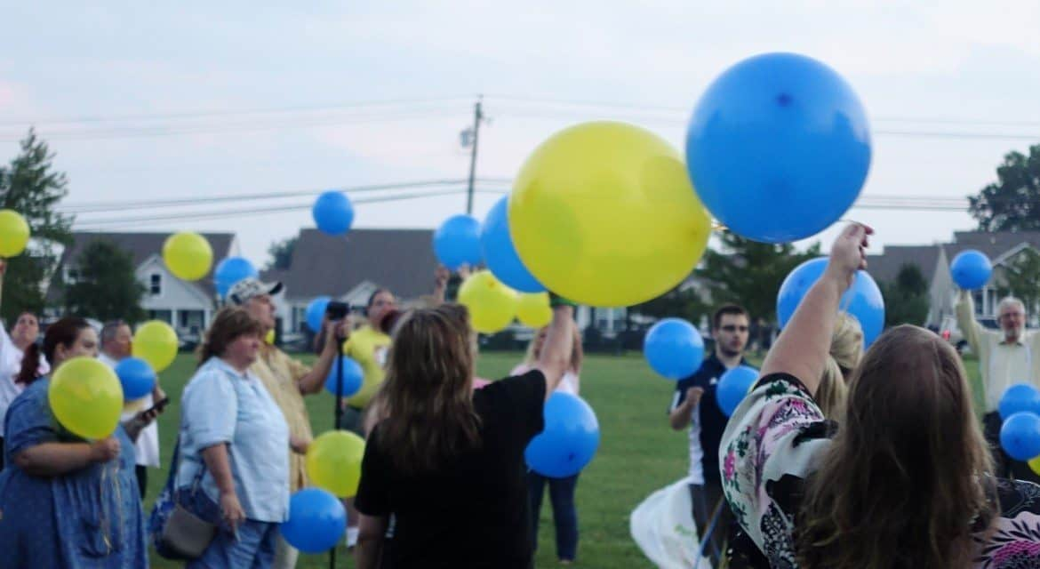 Balloons let go at Candlelight Vigil in September 2014